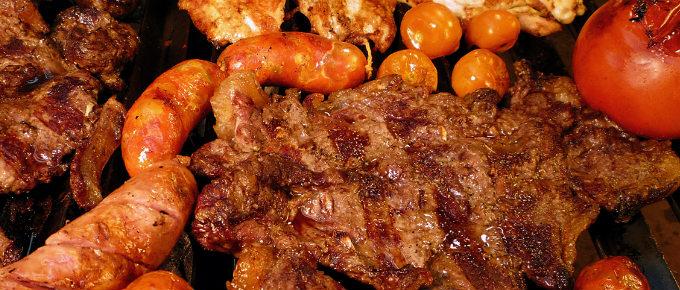 Carne di maiale sulla griglia